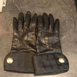 Authentic Coach black leather gloves